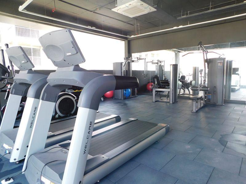 3bhk flats in zirakpur highland park gym-cascade buildtech